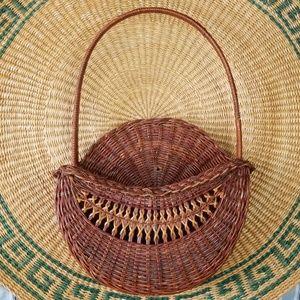 Wall mounting Brown hanging basket Vintage flower